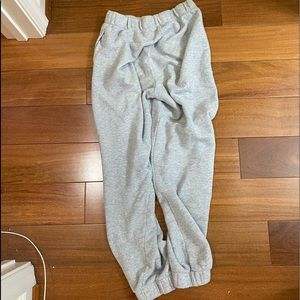brandy melville grey sweatpants!!